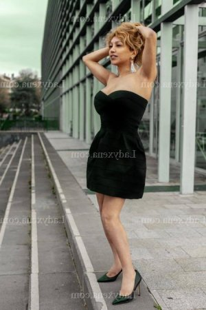 Sukaina escorte girl